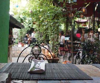 Cafe bar and restaurant Maska